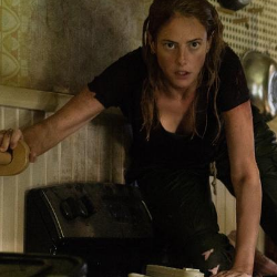 crawl movie reviewed by screenwriter kay patterson